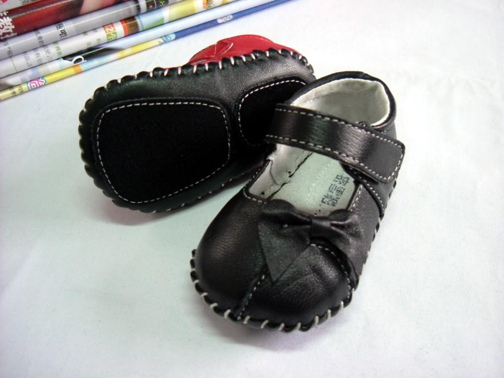 婴儿单皮鞋