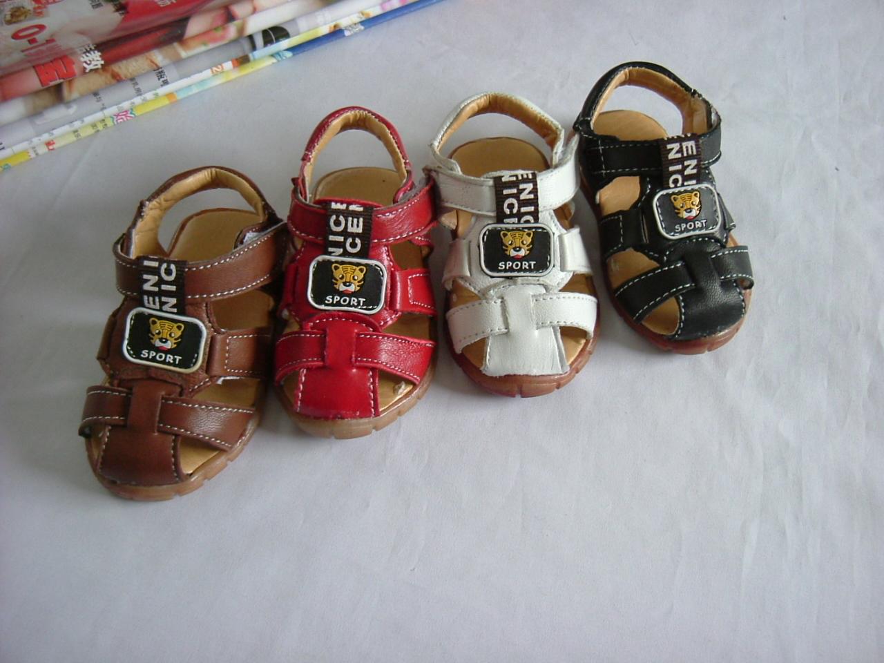 小童学步凉皮鞋