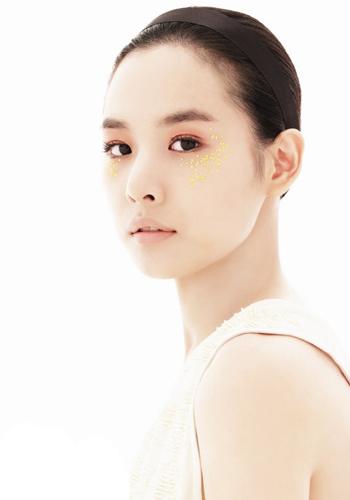 韩国短发女模特