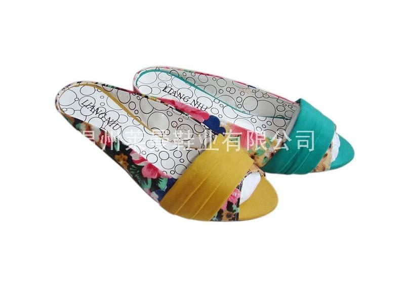 莱曼→时尚凉鞋 9902