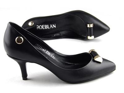 ROEBLAN(依百兰)素面尖头小跟单鞋7M913-A3