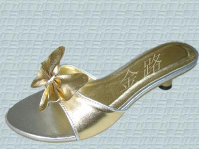 金路时尚女鞋新款上市02