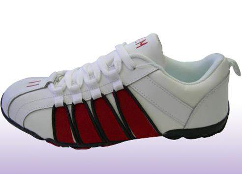 安普休闲运动鞋,04新款上市