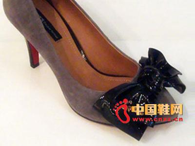 六榕时尚女鞋C11-68101-02   新款上市