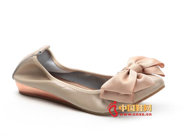 情侣天使时尚女鞋001新款上市