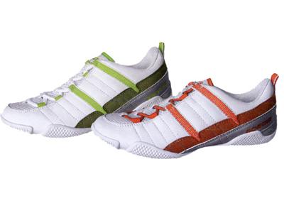 东创休闲运动鞋,05新款上市