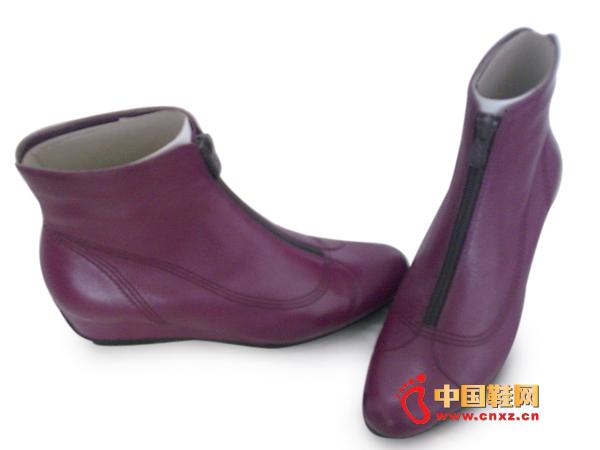 易发易女士时尚休闲皮鞋