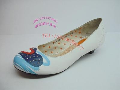 比士尼时尚女鞋,02新款上市