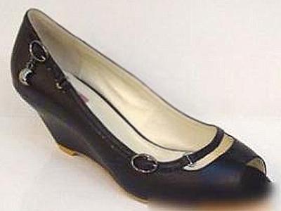 六榕时尚女鞋,01新款上市
