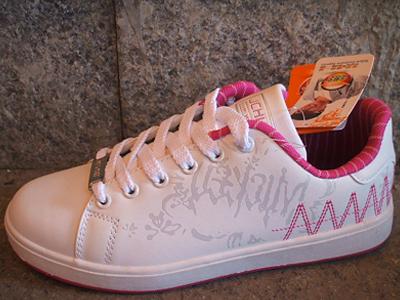 艾弗森时尚运动鞋,06新款上市