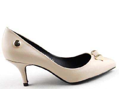 依百兰时尚女鞋,01新款上市