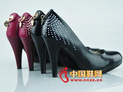 金熊猫2012时尚女士单鞋JXM A52-3新款上市