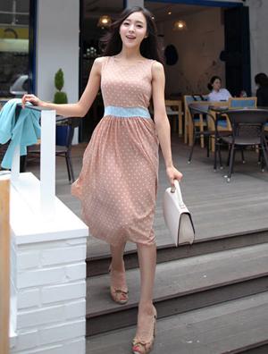 精美洛丽塔服饰 展示少女的童真童趣