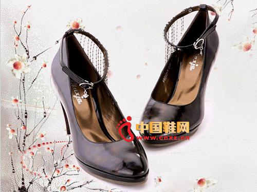 新虎威黑色细跟尖头高贵真皮女鞋F8703-1
