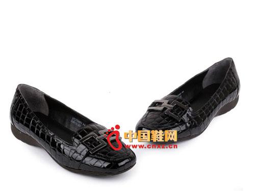 SKAP圣伽步2012夏季新款鳄鱼纹牛皮漆皮橡胶底单鞋女鞋10125083