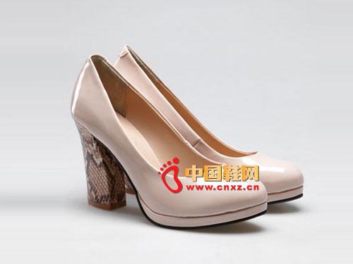 梦芭莎 欧美简约气质真皮里增高女鞋 121012306