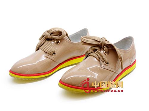 金蒂贝尔时尚女鞋 2012杏色时尚系带亮皮平底女鞋0295