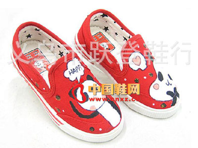【供应】儿童手绘鞋xt939 26-31码帆布鞋童鞋腼腆熊品牌鞋