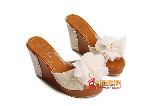 兴达真皮新款甜美迷人浪漫时尚印花高跟鱼嘴鞋童鞋女子v真皮图片