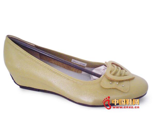 """""""易发易""""女士时尚休闲皮鞋0503-b192新款上市"""