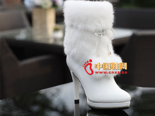 广州市 时尚/2012玛丽嘉儿秋冬季白色兔毛防水台时尚女靴0059