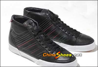 阿迪08超梦幻鞋款引爆街头最潮点