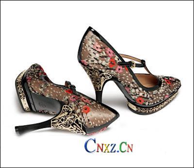 充满爱与浪漫的鞋子