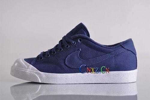 court蓝色帆布球鞋