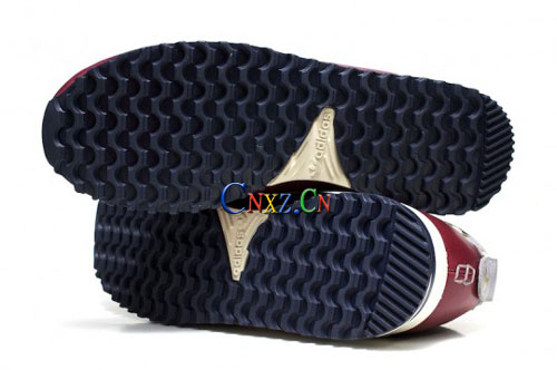 llery联名刺青客Upset Gentlemen定制Adidas ZX 700 Boat发售图片