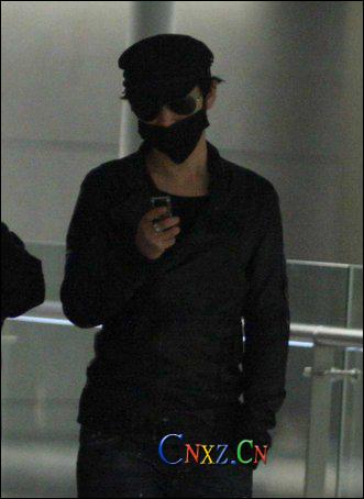 男生头像口罩黑