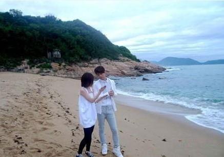 张敬轩白色球鞋拍mv 与师妹重现纯纯初恋