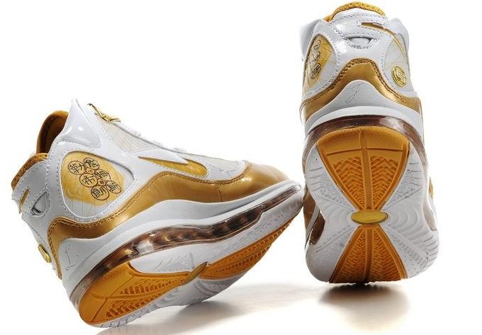 战靴高帮篮球鞋