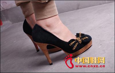 链条蝴蝶结高跟单鞋,华丽又复古的优雅时尚-清凉初夏 MM必备甜美