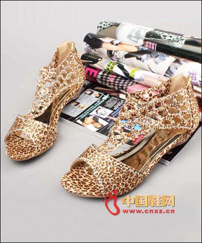 性感公主鞋时尚镂空鱼嘴凉鞋,古典气质美感,带来不一般的完美效果