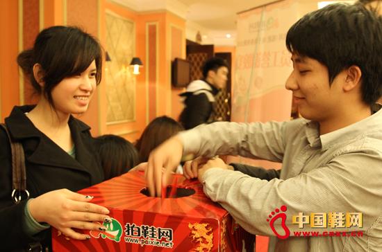 我集团举办年终尾牙宴暨员工答谢蒸饺子视频图片