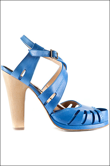 蓝色款镂空凉鞋-2012春夏女鞋 春夏女鞋 春夏系列女鞋