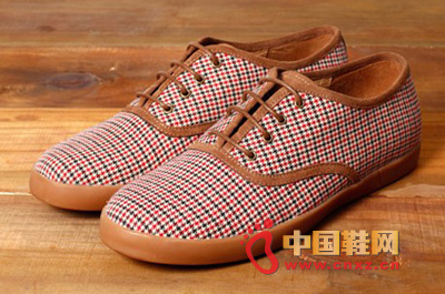 今年最流行的男士鞋款