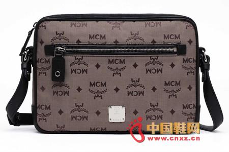 mcm斜挎包