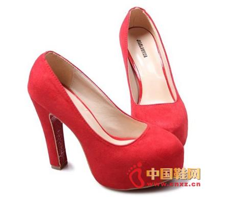女生红色高跟鞋性感派女孩的必备款的属牛性格个性图片